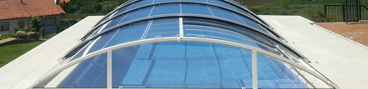 Las cubiertas de piscina de Abripool se caracterizan por la calidad de sus materiales y por su gran funcionalidad
