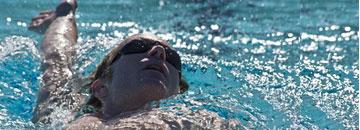 Actividad física en la piscina