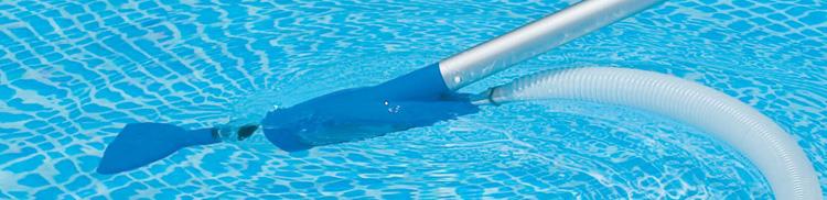 ¿Qué son los limpiafondos de piscina? - Abripool Cubiertas de Piscina