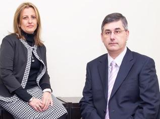 Equipo de Alarona Consulting: M. Cruz Montejano y Javier Yáñez