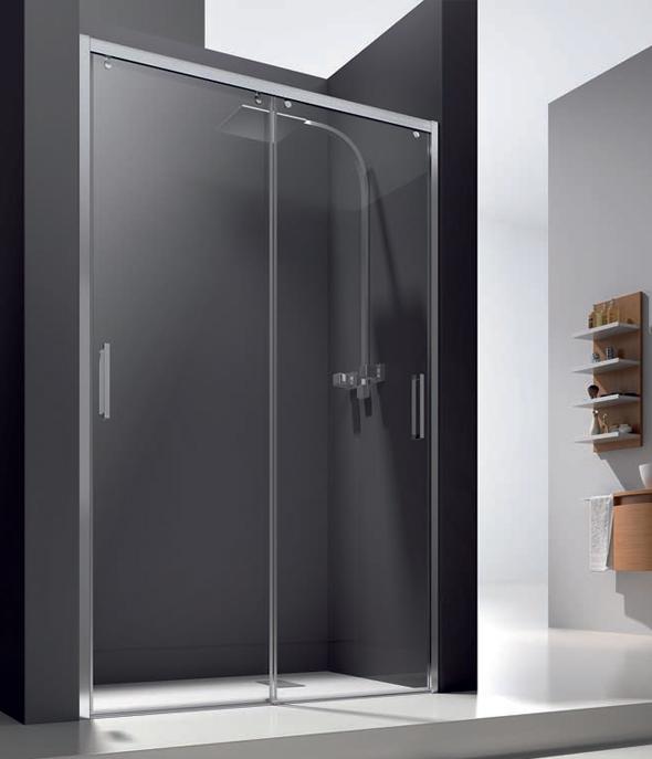 Aluminios Manzano le ofrece una de las mamparas de dos puertas correderas para ducha más demandadas por los clientes