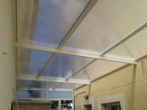 Recuperación de un espacio luminoso para el hogar a través de una solución resistente y eficaz frente a los agentes metereológicos.