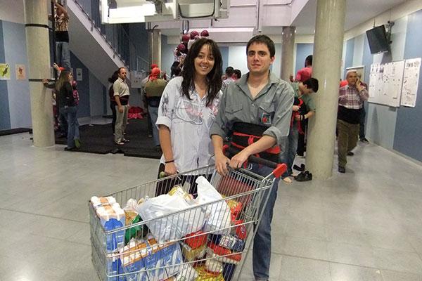 Cursa de Llits al Carnaval de Lleida a favor del Banc dels Aliments