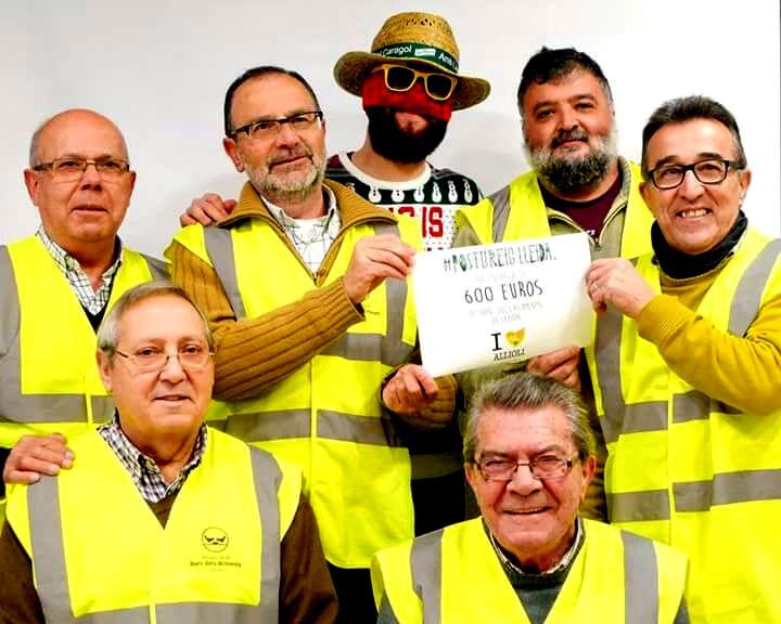 Postureig de Lleida fa entrega de 600€ al Banc dels Aliments