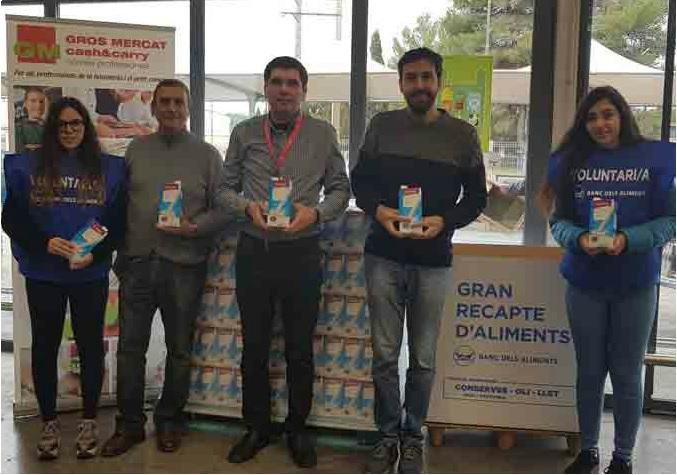 El Grupo Miquel dona 750 litres de llet