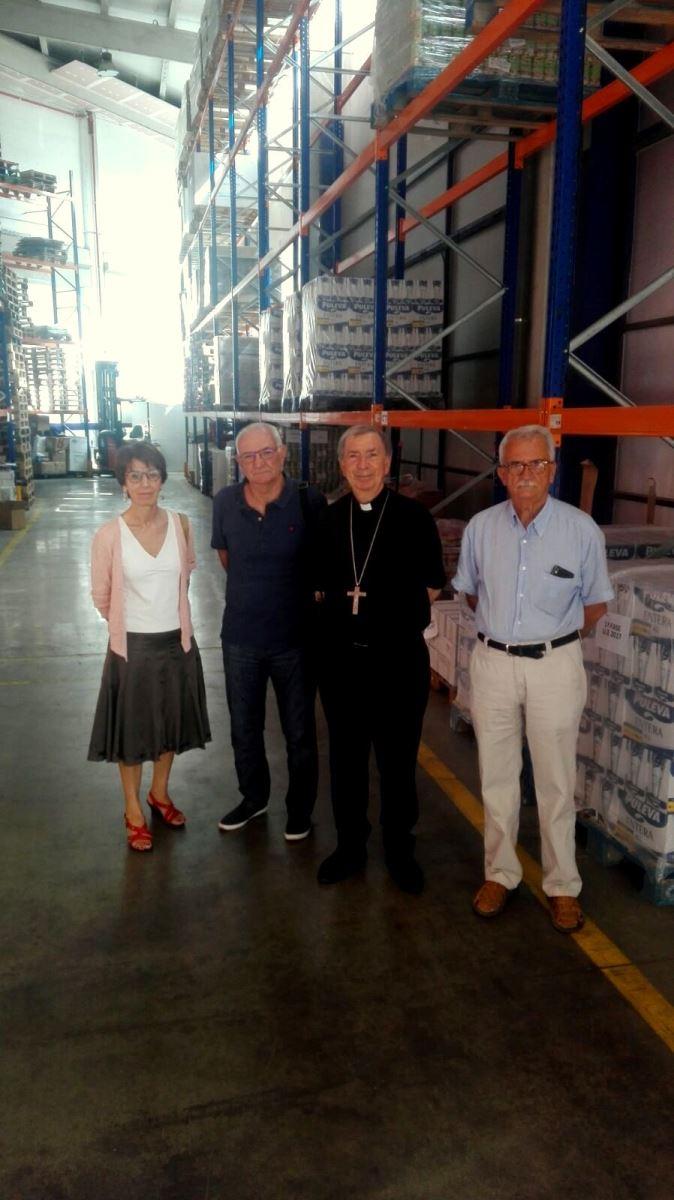 El Bisbe de Lleida amb alguns dels membres de la Junta de Banc dels Aliments