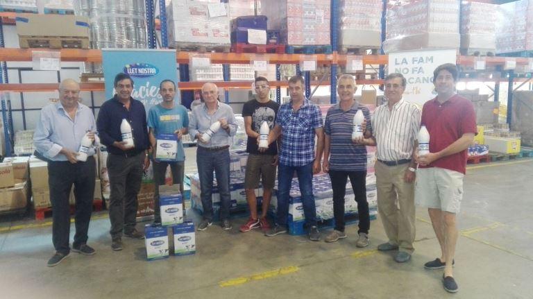 Llet Nostra fa donació de 1.000 litres de llet al Banc dels Aliments