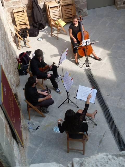 Aguilar Quartet Band al pati d'armes del castell