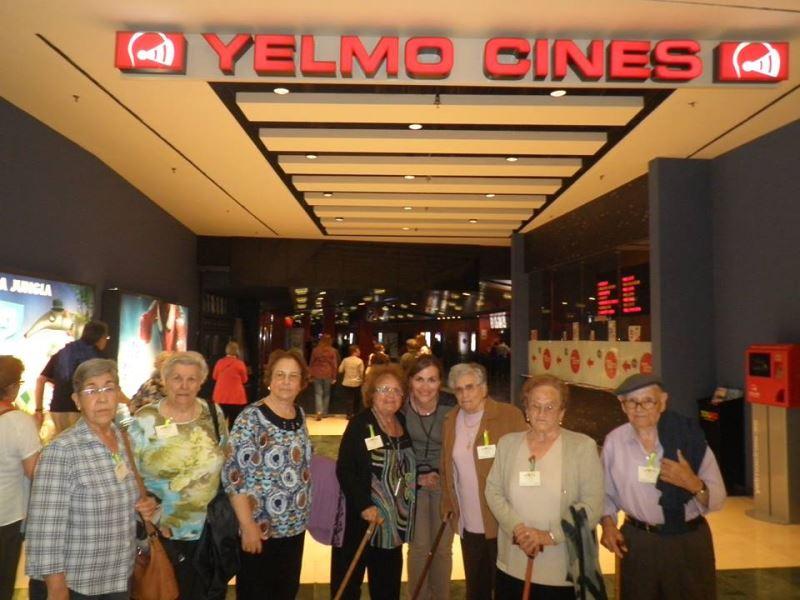 """Sesión de cine en el Centro Comercial Ànec Blau de Castelldefels para ver la película """"El éxotico hotel Marigold"""""""