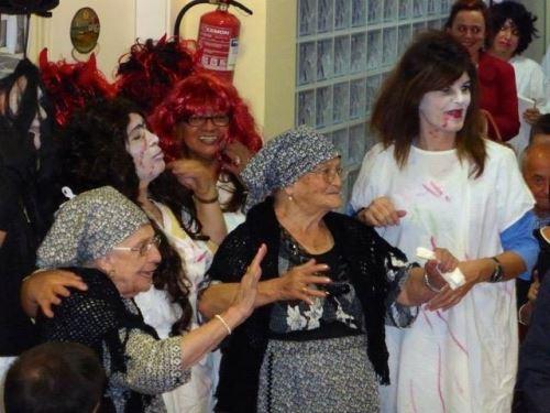Disfraces en la fiesta de Otoño de 2014 en la residencia El Recer de Castelldefels