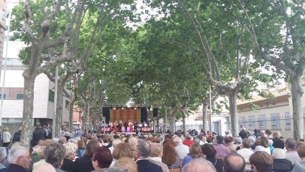 Concierto de la Orquesta Internacional Costa Brava al que asistieron los residentes del centro geriátrico El Recer de Castelldefels