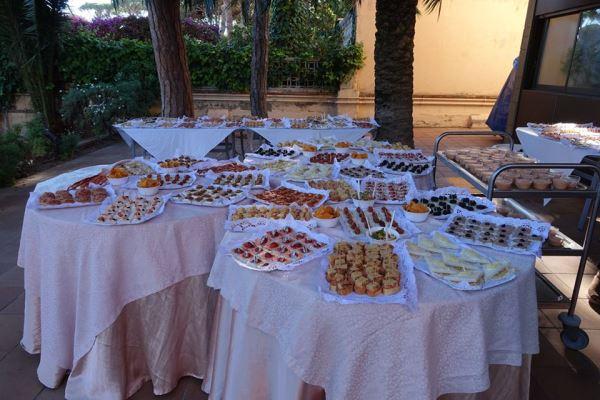 Imagen de los magníficos canapés que salieron de la cocina de El Recer de Castelldefels para agasajar a nuestros invitados en la celebración de la fiesta de San Juan 2016 en los jardines del centro geriátrico