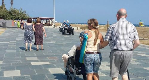 La ventaja de un entorno privilegiado: ubicación en la zona residencial de la Pineda y proximidad a la playa de Castelldefels