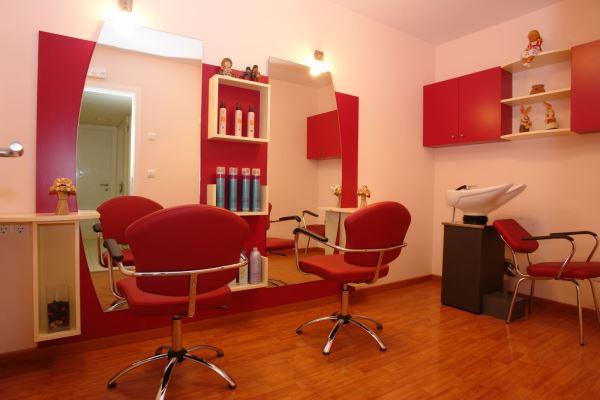 Servicio permanente de peluquería de El Recer