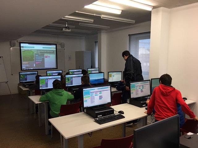 Taller sobre Minecraft en la Jornada Sombits Kids