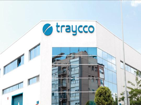 Catálogo corporativo de Traycco para el año 2012, creación de contenidos, fotografías, retoque digital, diseño, maquetación y artes finales para impresión por Snik Comunicación.