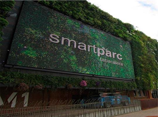 Aplicación interactiva para la pantalla vertical del Ayuntamiento de Tarragona - Snik Comunicación