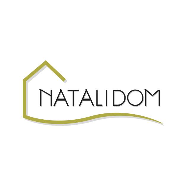Creación y diseño del logotipo de NataliDom, agente inmobiliario ruso ubicado en la Costa Dorada de Tarragona. Desarrollo de su nueva imagen, logo, comunicación e identidad de marca de esta nueva emprendedora.