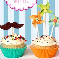 Idea y diseño de la tarjeta de presentación de empresa de Artisucre, pastelería creativa personalizada experta en tartas fondant, galletas decoradas y cupcakes.