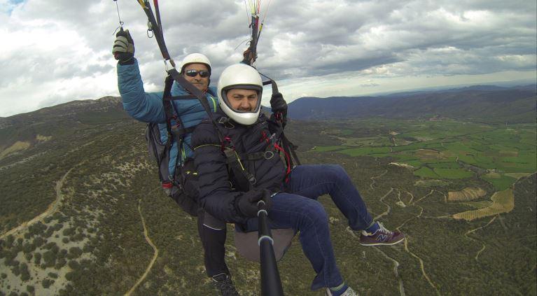 Activitats d'aventura, vol en parapent! #ÀgerAventurat