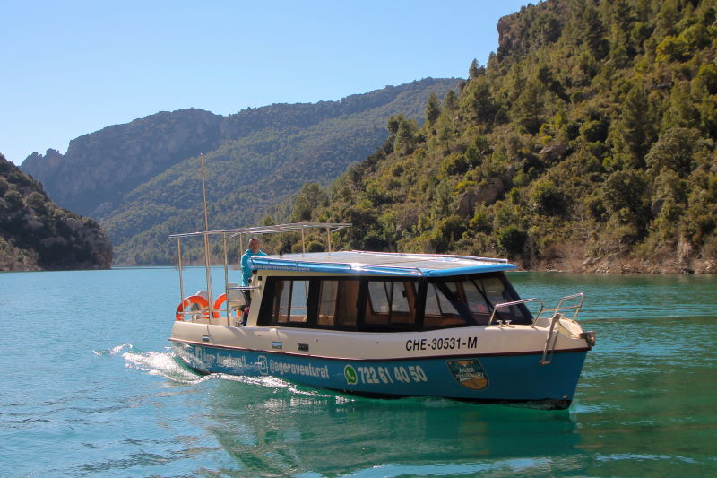 Passeig en barca per Mont-rebei