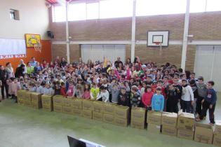 L'escola Enric Farreny de Lleida recull més de 400 quilos de productes per al Banc d'Aliments en el dia de la Pau