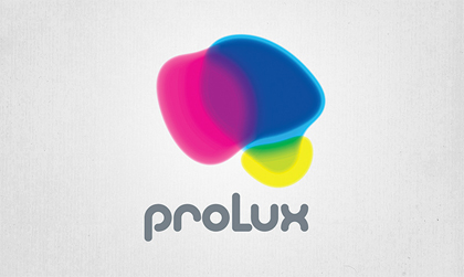 Creación y diseño de la página en construcción (o splash) de la empresa Prolux realizada por Snik Comunicación mientras se desarrolla la página corporativa.